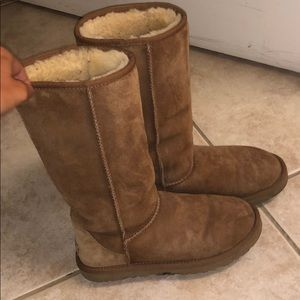 Ugg boots tan tall women's classic size 7/38